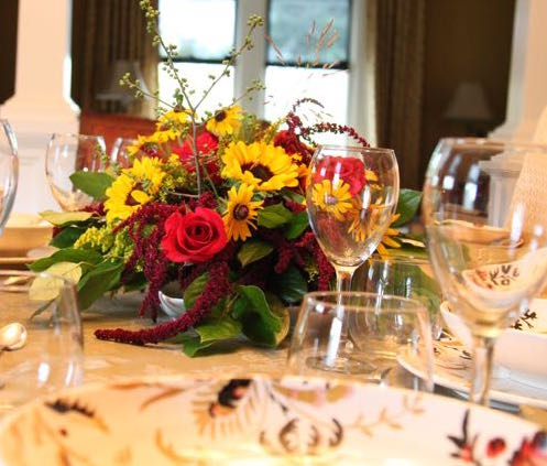 #TableTalk: How to Create a Lovely Dinner Party Ambiance