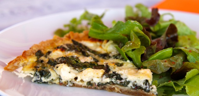 Asparagus tart with Goat Cheese and Spring Greens #SundaySupper